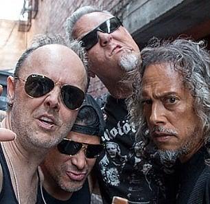 Tornano i Metallica nuovo disco e uno speciale