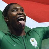 Atletica, la Semenya domina: ma il suo oro continua a far discutere