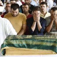 Turchia, anche bimbi tra vittime della bomba al matrimonio: strazio ai funerali