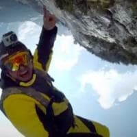 Chamonix, muore il basejumper Alexander Polli: si è schiantato contro un albero