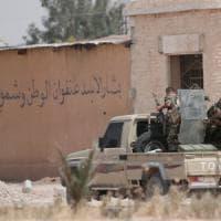 Siria, la Turchia bombarda anche i curdi dell'Ypg: