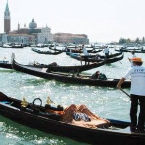 Venezia profuma: saponi e detersivi nei canali