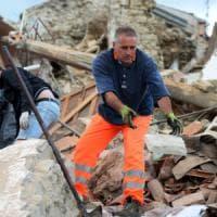 Terremoto di magnitudo 6.0 devasta il centro Italia: morti. Bambini sotto