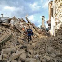 Terremoto, la solidarietà sui social network: tra messaggi e iniziative