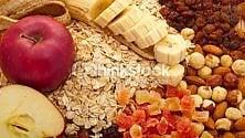 Più cereali e frutta, meno carni rosse: così si riduce il rischio di recidiva