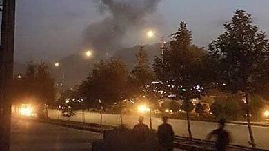 """Kabul , attacco all'Università americana """"Studenti intrappolati, 12 morti e feriti"""""""