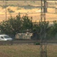 Siria, le milizie curde si ritirano a est dell'Eufrate. L'Is lascia Jarablus