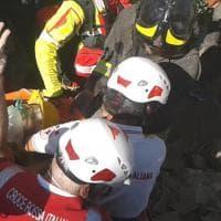 Dalla bimba salvata alla Pietà di Amatrice: le immagini simbolo del terremoto