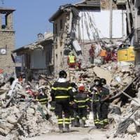 """Terremoto, Renzi: """"Restare vicino alle proprie radici è un diritto"""""""