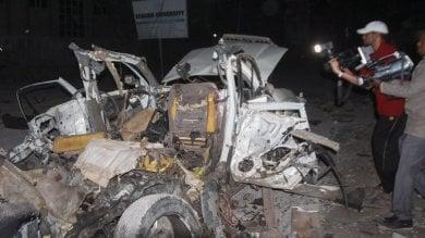 Mogadiscio, terroristi di Al Shabaab attaccano noto ristorante sul mare