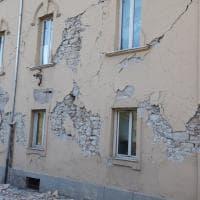 Terremoto, sale a 900 il numero delle scosse: nuovi crolli ad Amatrice