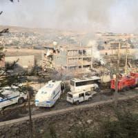 Turchia, autobomba contro la polizia a Cizre. Ankara accusa i curdi