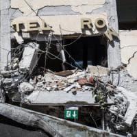 """Terremoto, i racconti: """"Noi, sopravvissuti dell'Hotel Roma, eravamo come una famiglia"""""""
