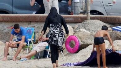 Francia, sospeso il divieto di burkini