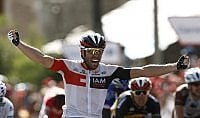 Sprint di Van Genechten nuova caduta per Contador