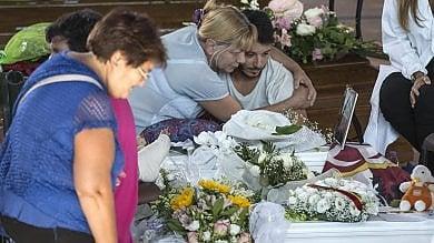 Tra obitorio e cimitero, il rito doloroso  di chi cerca una sepoltura per i propri cari