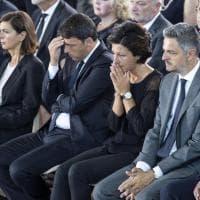 Terremoto, le lacrime di Agnese Renzi ai funerali solenni
