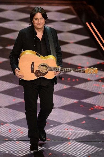 Cristiano de André, annullato il tour per un'operazione alle corde vocali
