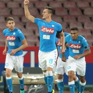"""Napoli, Sarri: """"Lasciamo tranquillo Milik, l'eredità di Higuain è pesante"""""""