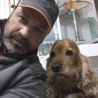 Il cocker Flash sulla bara del padrone: anche il cane è un pezzo di famiglia
