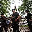 Indonesia, attentato  in chiesa: uomo fa esplodere  una bomba, quattro feriti