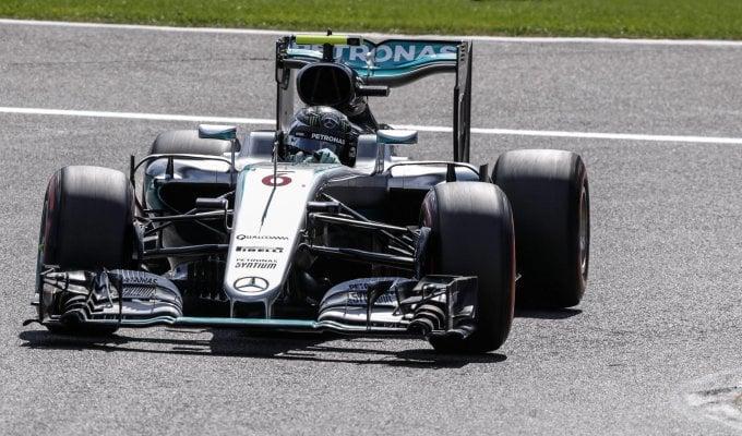Rosberg subito in testa:  segui il Gp in diretta