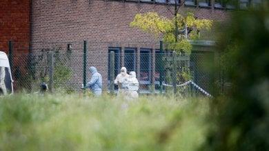 Belgio, esplosione a istituto criminologia auto sfonda i controlli, poi incendio  foto