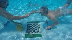 Torneo di scacchi in apnea la sfida è sott'acqua