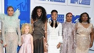"Beyoncè agli Mtv Awards  con madri dei ""Black lives matter"""