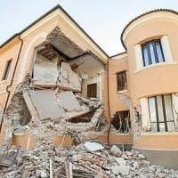 """Terremoto, Renzi: """"Giusto ricostruire in fretta, ma ancora più giusto fare bene"""""""