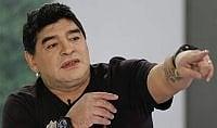 """""""Quel passaporto è rubato"""" Maradona bloccato all'aeroporto"""