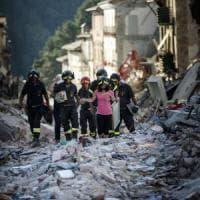 Terremoto, i funerali ad Amatrice nel giorno di lutto nazionale