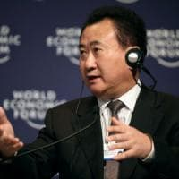 "Cina, la guerra contro Disneyland del 'paperone' Wang: ""Faremo fallire quel parco a tema"""