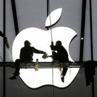 Apple, la Ue chiede all'Irlanda di recuperare 13 miliardi di tasse. Cupertino: