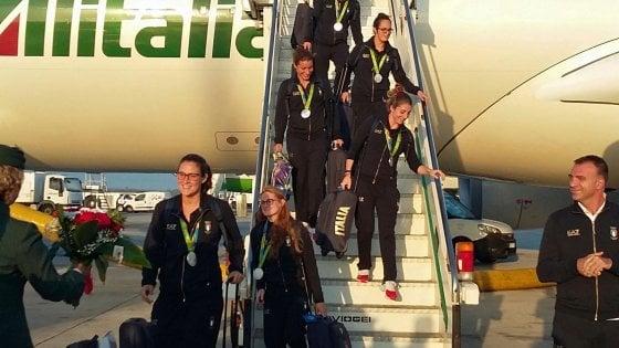 Alitalia lancia le aste per salire di classe: offerta libera per volare in Business