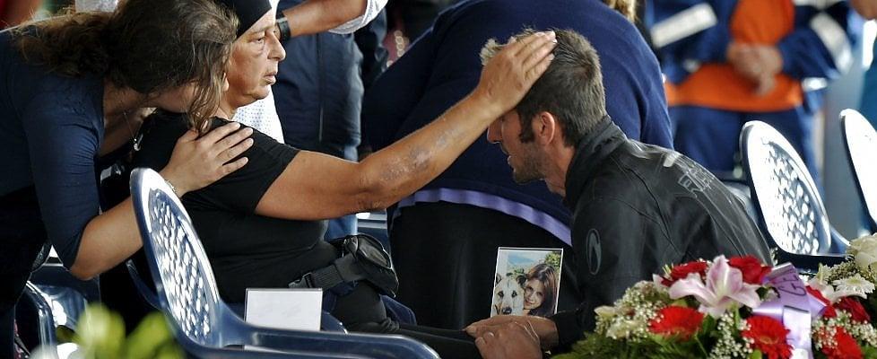 """Terremoto, funerali solenni ad Amatrice. Vescovo: """"Non uccide il sisma, ma le opere dell'uomo"""""""
