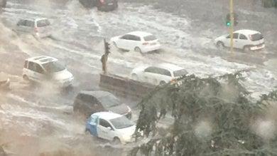 """""""Bomba d'acqua"""" paralizza Roma -   foto   code, strade bloccate, Metro allagata"""