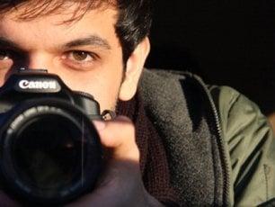 """Il regista 'scomodo' Keywan Karimi: """"Aspetto di tornare in carcere, non lascerò mai l'Iran"""""""