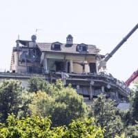 Terremoto, recuperata la sesta vittima all'hotel Roma di Amatrice. Nel mirino 21 appalti...