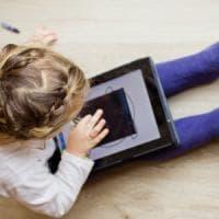 Chirurgia pediatrica, giocare con il tablet funziona come il sedativo prima