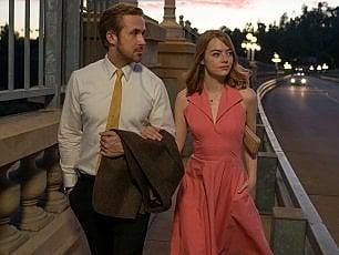"""Venezia s'illumina con 'La La Land'. Emma Stone: """"Un film fatto di emozioni, quelle che aiutano a realizzare i sogni"""""""
