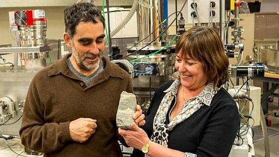Il fossile più antico: 3,7 miliardi di anni fa c'era già vita sulla Terra
