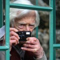 """È morto Marc Riboud: addio al fotoreporter """"con il compasso negli occhi"""""""