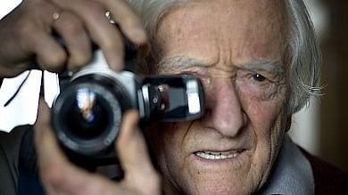 È morto Marc Riboud: addio al fotoreporter con il compasso negli occhi