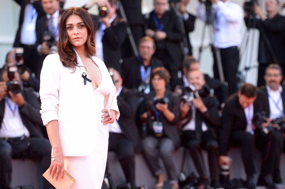 Venezia 2016: baci, grandi star, modelle e giurati a lutto sul red carpet