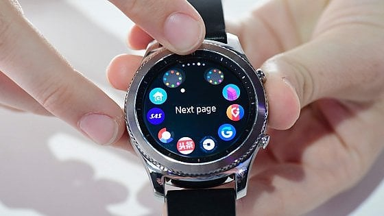 nuovo di zecca 555dd ece14 Ifa 2016, Samsung Gear S3, questione di stile: display ...
