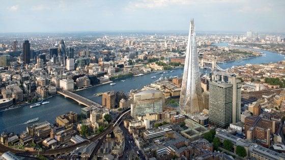 Banche, 'vietate' le scarpe marroni per lavorare nella City di Londra
