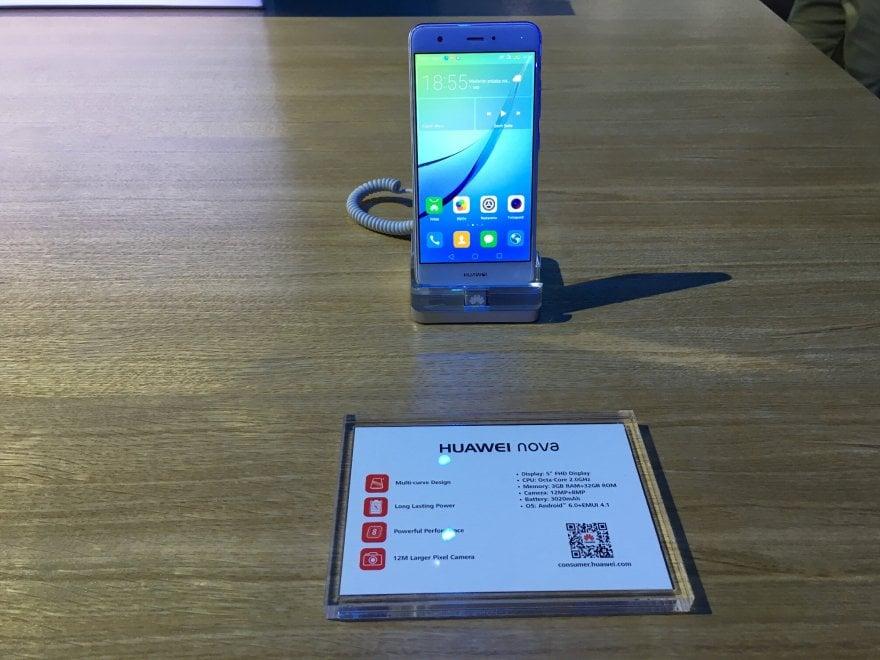 Ifa 2016, Huawei lancia Nova e Nova Plus: batteria super e selfie perfetti