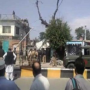 Pakistan, doppio attacco talebano: 12 morti a Mardan e 4 terroristi uccisi a Christian Colony