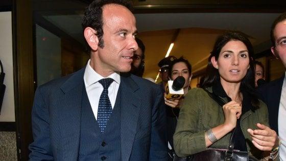 """Roma, M5s, l'ultimo sfogo di Minenna: """"Con Virginia gente sbagliata"""". Grillo: """"Cavatevela da soli"""""""